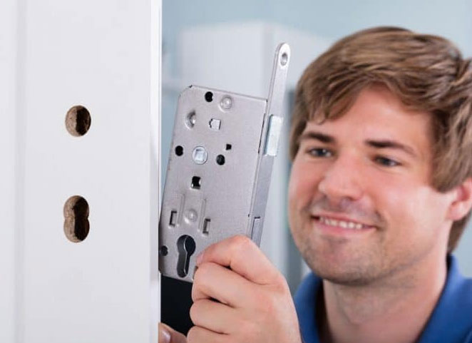 https://www.res-qlocksmiths.com.au/wp-content/uploads/2019/12/text-img-11.jpg